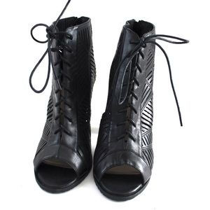 chelsea moreland Shoes - Chelsea Moreland Soho Lace Up Chunky Heel Bootie